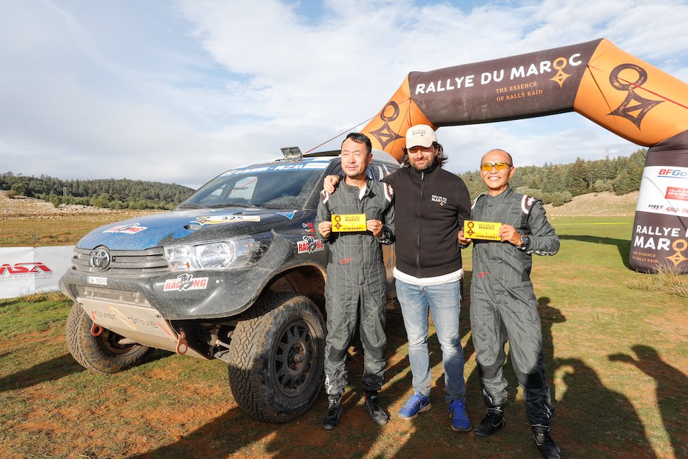 325 LIANG Yuxiang (CHN), HONGTAO Kou (CHN), Overdrive Racing, Toyota Hilux Overdrive, auto, portrait CASTERA David (fra), Director of the Rallye du Maroc, portrait   during Rally of Morocco 2018, Podium finish, Fes, october 9 - Photo Frederic Le Floc'h / DPPI