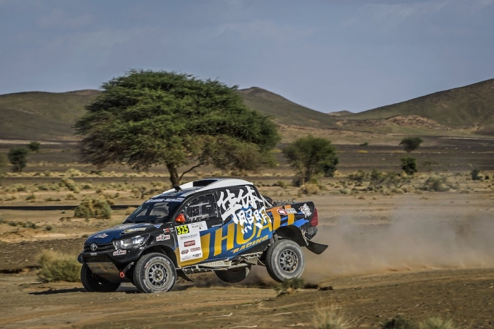 325 LIANG Yuxiang (CHN), HONGTAO Kou (CHN), Overdrive Racing, Toyota Hilux Overdrive, auto, action  during Rally of Morocco 2018, Stage 3, Erfoud to Erfoud, october 7 - Photo Eric Vargiolu / DPPI