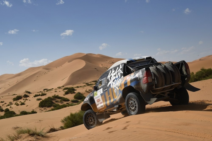 325 LIANG Yuxiang (CHN), HONGTAO Kou (CHN), Overdrive Racing, Toyota Hilux Overdrive, auto, action during Rally of Morocco 2018, Stage 4, Erfoud to Erfoud, october 8 - Photo Eric Vargiolu / DPPI